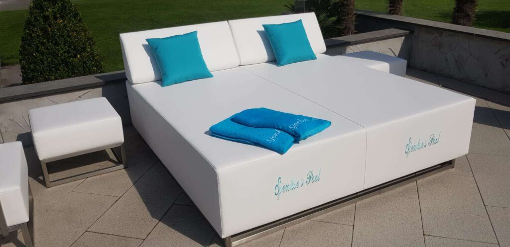 2 person outdoor chaise lounges